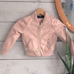 3/25$ 🦋Girls leather jacket
